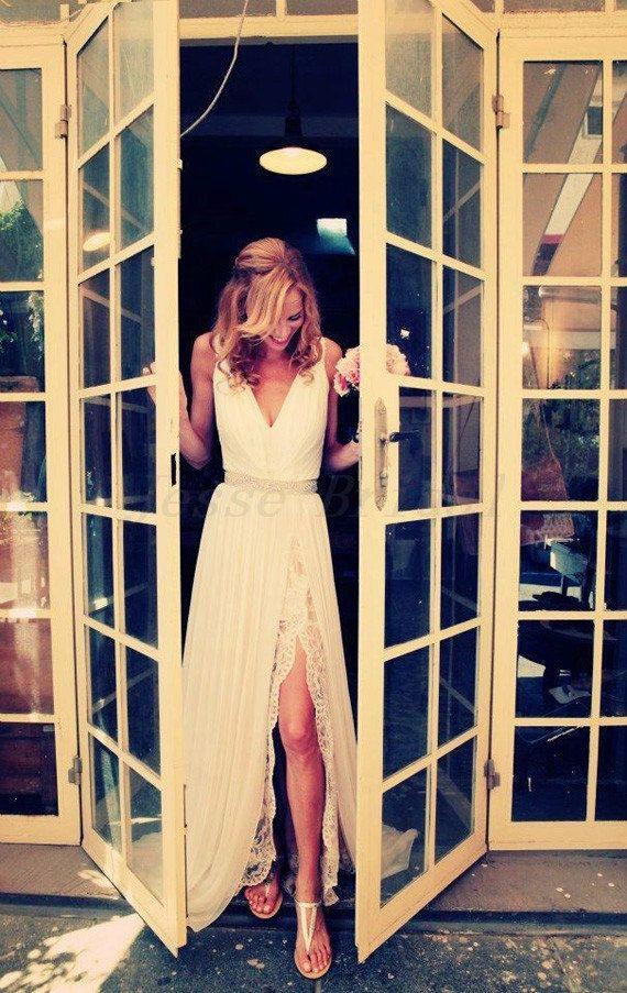 V-Ausschnitt Chiffon Kleid, Lace Hochzeitskleid, Boho Hochzeit Hochzeitskleid on Etsy, 226,61 €