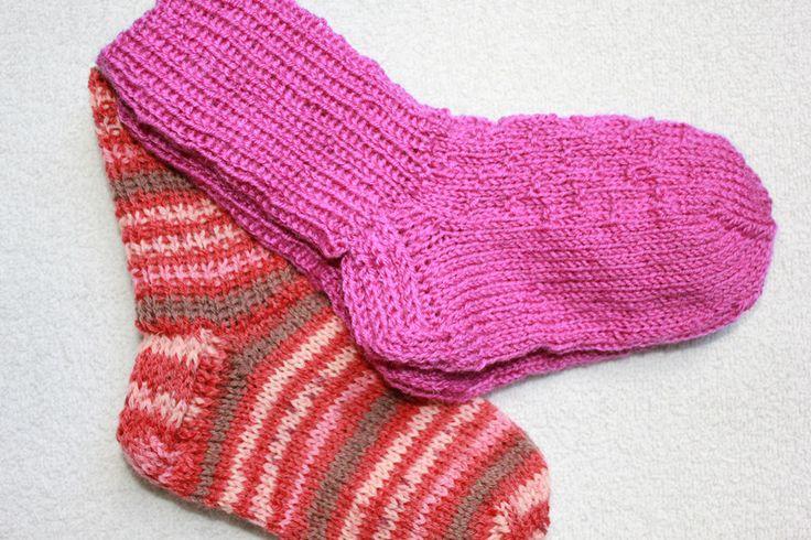 Weiteres - Handgestrickte Socken Gr. 22/23 2er Pack - ein Designerstück von bastelmaus19 bei DaWanda