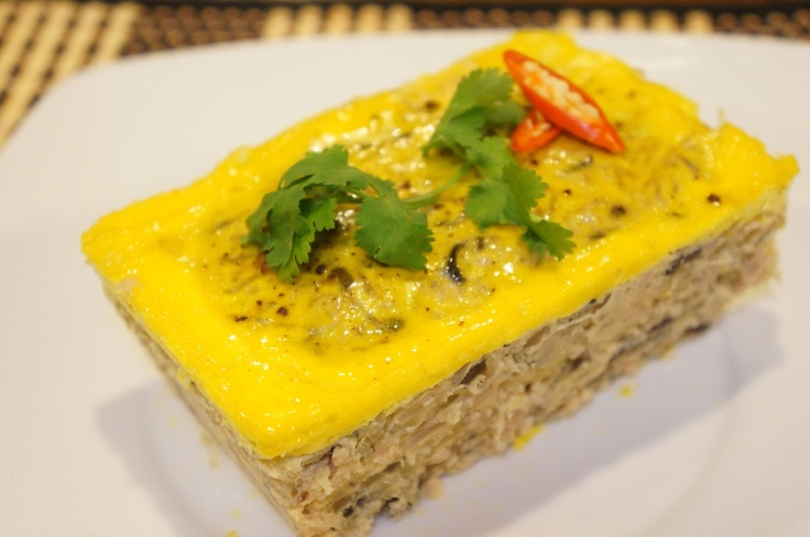 Cha Trung (Vietnamese egg meatloaf)