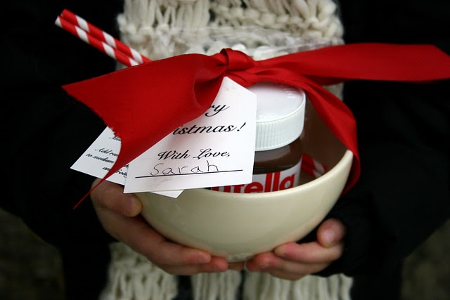 Nutella Hot Chocolate: Teacher Gifts, Gifts Ideas, Nutella Hot Chocolates, Hot Chocolate Gifts, Chocolates Bowls, Neighbor Gifts, Christmas Ideas, Hot Chocolates Gifts, Christmas Gifts