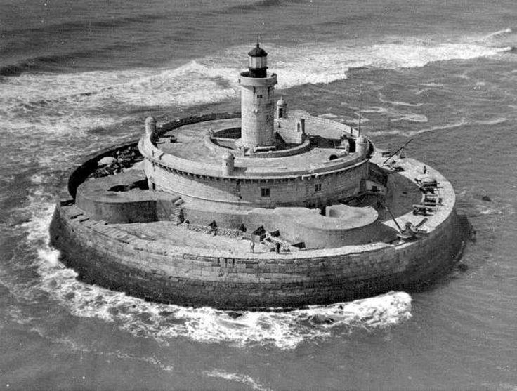 Torre do Bugio, vista aérea,1930-1932, fotógrafo n/i, in a.f. C.M.L.