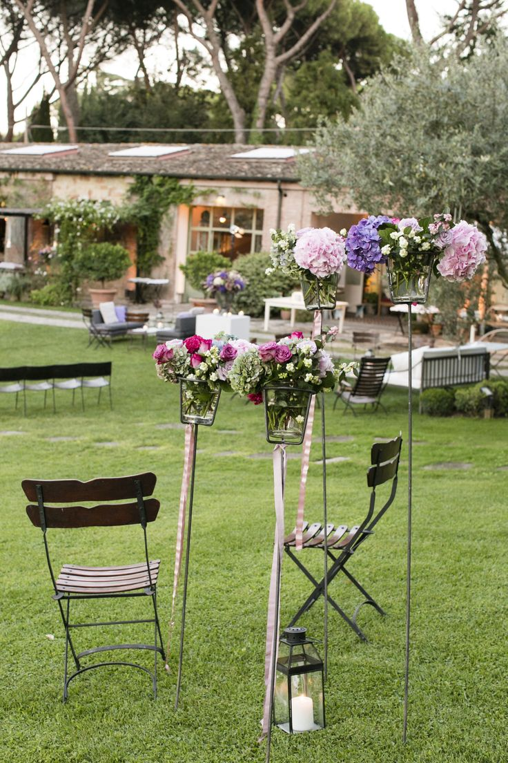 www.italianfelicity.com #wedding #ribbons #bistrochairs