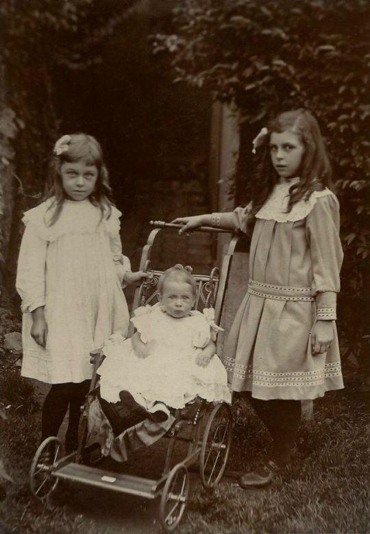 Sisters - c. 1900