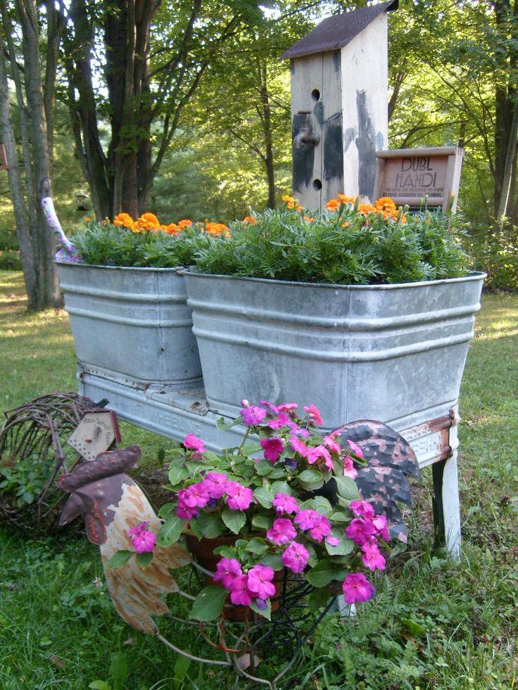 Old washtub planter | Re-purposed wash tubs | Pinterest