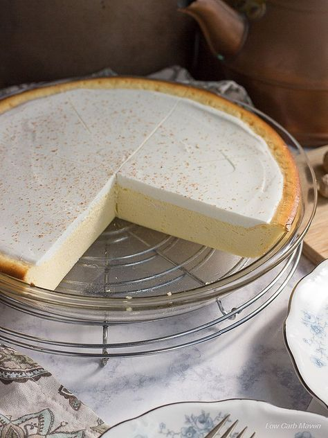 An easy low carb cheesecake perfect for gluten free, Atkins, Keto, & LCHF diets. This cheese pie recipe is like a New York Cheesecake in pie form.