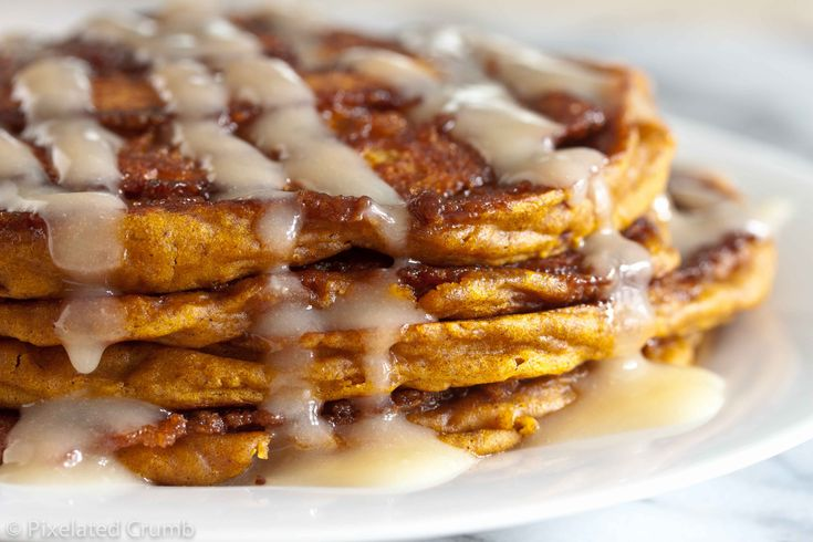 Pumpkin Cinnamon Roll Pancakes | pumpkin crazy | Pinterest