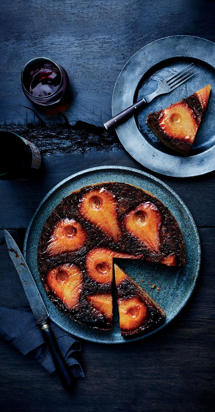 Look no further for the perfect fall dessert: We give you spiced pear upside-down cake.