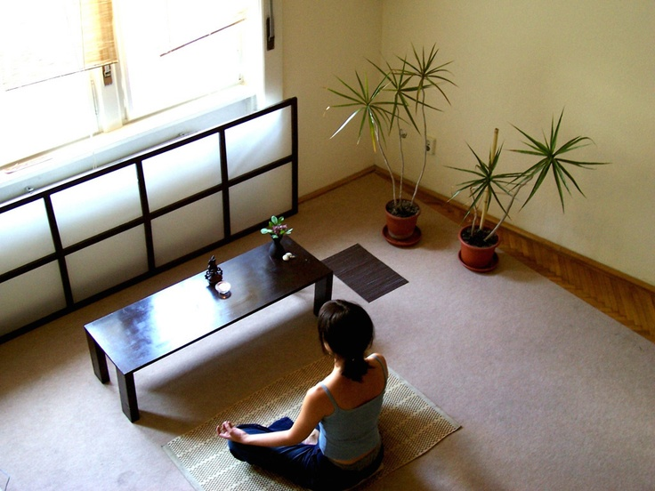 17 best images about home meditation space on pinterest for Chambre yoga