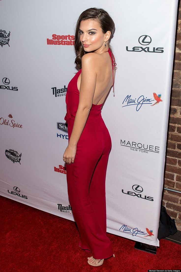 Emily Ratajkowskis Backless Jumpsuit Is Her Hottest Look Ever The Huffington Post Canada Style
