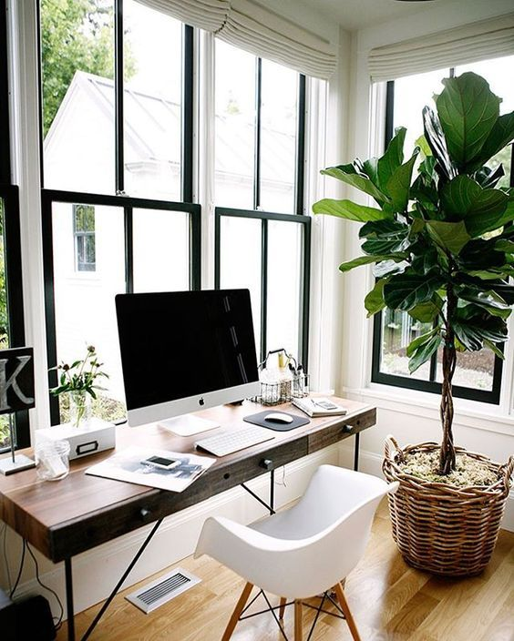 Top 5 Must Haves for an Inspiring Home Office: Check out these gorgeous office designs at tuftandtrim.com
