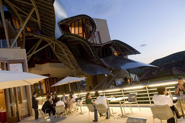 Hotel Bodega Marques de Riscal in Elciego, (Rioja Alavesa, Baskenland) #Baskenland #GastronomieSpanje #DesignSpanje