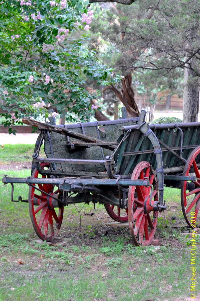 Love wagons.  Wish my family still had the old wagons.