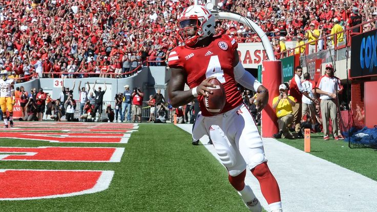 The Huskers look to keep up a strong start, while the Wildcats try to reverse a bad one.