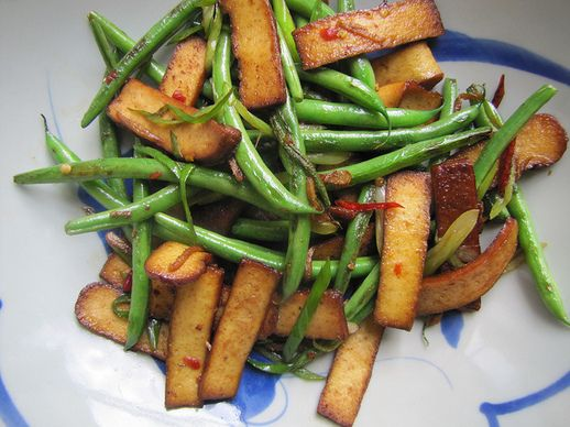 Stir-Fried Green Beans and Five-Spice Dry Tofu