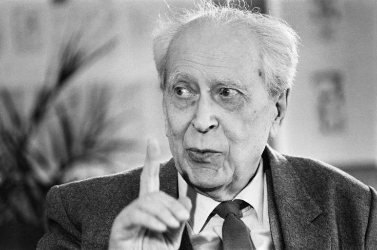 D.Lihachev Интеллигентность — это способность к пониманию, к восприятию, это терпимое отношение к миру и к людям.