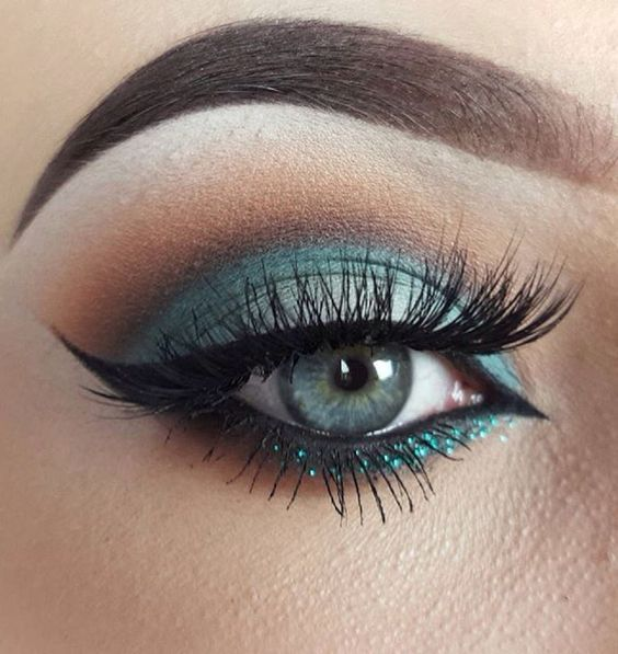 макияж глаз, стильный макияж, красивый макияж, яркий мейк ап, длинные ресницы, макияж с зелеными тенями, идеальные брови