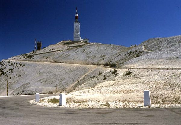 Mont Ventoux, France. Join Xploritall and add it to your cycling bucket list http://www.xploritall.com/pointofinterest.php?=1212  Photo: Überraschungsbilder / Wikipedia