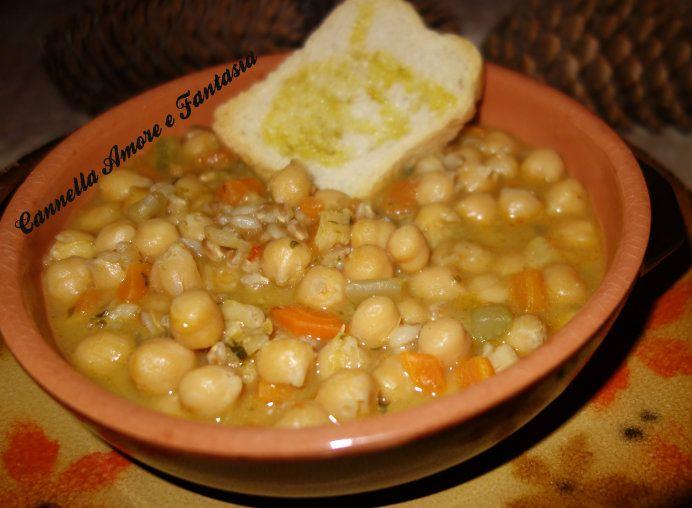 La zuppa di ceci norvegese (Gul ertesuppe ) è una gustosa zuppa di ceci tipicamente della tradizione norvegese,con l'aggiunta del farro diventa piatto unico