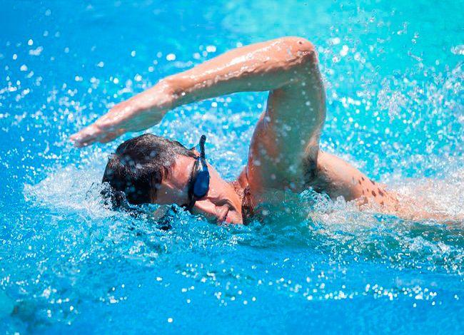 Плавание – замечательный вид спорта, который поможет вам приобрести спортивное телосложение, сбросить вес и позаботится о здоровье суставов. Важно научиться плавать грамотно. Для новичков — действительно важно выполнять...