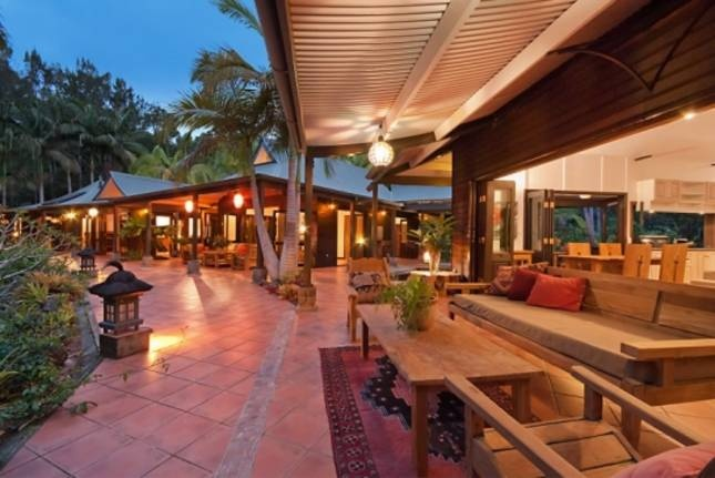 Bali in Byron - 4 bedroom pavilion house set in lush tropical gardens reminiscent of Bali. Check out the winter hot deal!