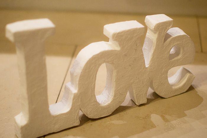 Cómo hacer letras en papel mache (ejemplo: love)