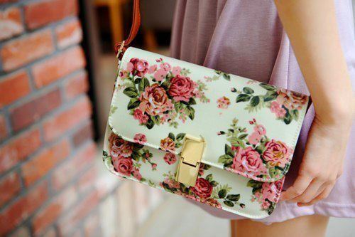 love!!Coaches Handbags, Shoulder Bags, Floral Prints, Vintage Wardrobe, Vintage Floral, Floral Fashion, Style Fashion, Floral Pattern, While