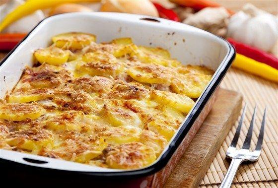Изумительно нежная картошечка получается! А готовится ещё проще чем жаренная картошка )) Я её обожаю в качестве гарнира к курочке или индейке.