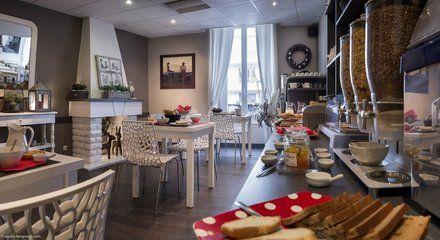 Buffet de petit déjeuner - Hotel Des Alpes Annecy