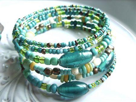 memory wire bracelet torquoise aqua & white green tones beads bracelets