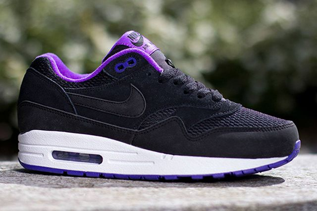NIKE AIR MAX 1 ESSENTIAL (BLACK/HYPER GRAPE) | Sneaker Freaker