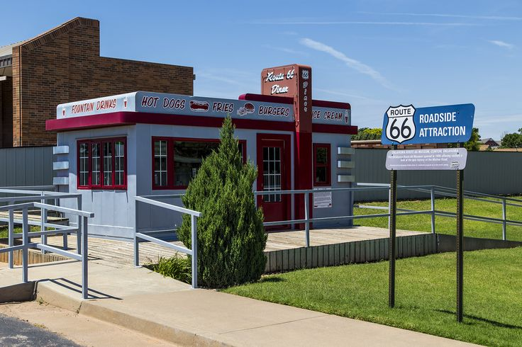 https://flic.kr/p/vk8bG7 | Route 66 Diner | Route 66 Diner in Clinton, Oklahoma. It sits next to the Route 66 Museum.
