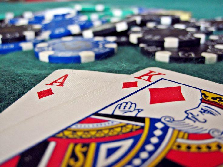 A continuación te mostramos cómo aprender gratis a jugar a Spin & Go en las principales escuelas de poker online.