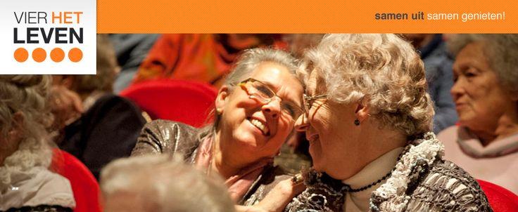 Sinds 2014 ben ik gastvrouw voor stichting Vier het Leven. Daarbij begeleid ik persoonlijk een kleine groep ouderen naar een theatervoorstelling of concert, om zo samen te genieten van een cultureel avondje uit.
