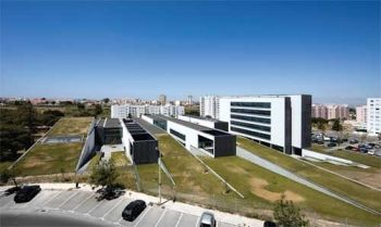 Review: Technology College of Barreiro - ARX Portugal Arquitectos