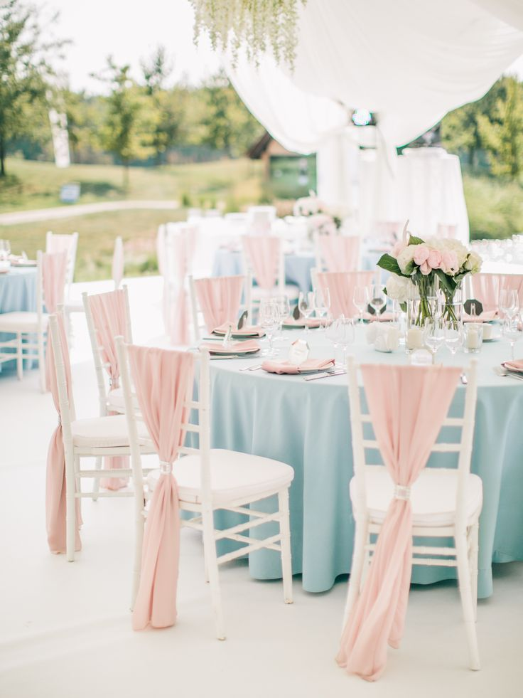 Wedding table setting, textile in colours:  Serenity & Rose Quartz