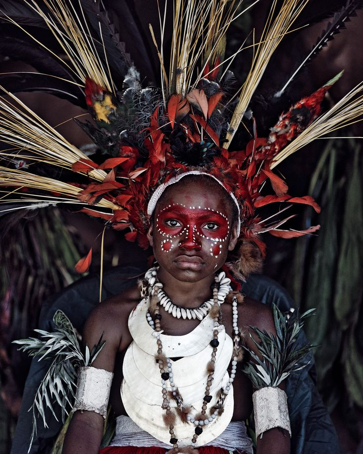 Goroka, Eastern HighlandsPapua New Guinea, 2010. http://www.beforethey.com/artprints/all/346