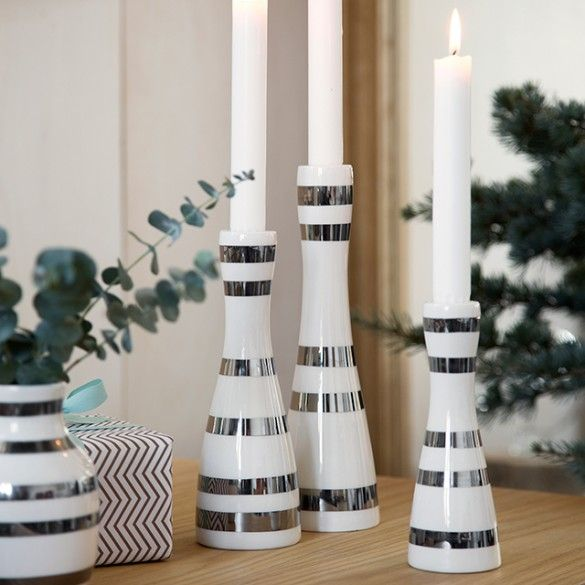 Invite Christmas inside with the beautiful Kähler Omaggio candle holders with silver stripes. The stripes are carefully hand-painted making all Omaggio silver candle holders unique.