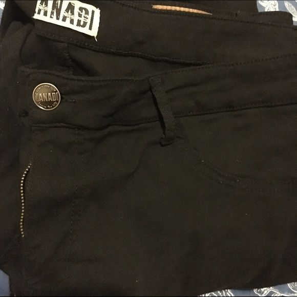 Black straight leg jeans Size 24W stretchy black jeans. Really stretchy could fit a 26 as well. They were straight leg on me, but if you have bigger calves it might feel skinnier in the legs Worn a couple times, some piling in the thigh area, not that noticeable. BONGO Jeans Straight Leg
