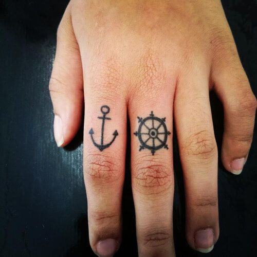 1000 Ideas About Small Anchor Tattoos On Pinterest