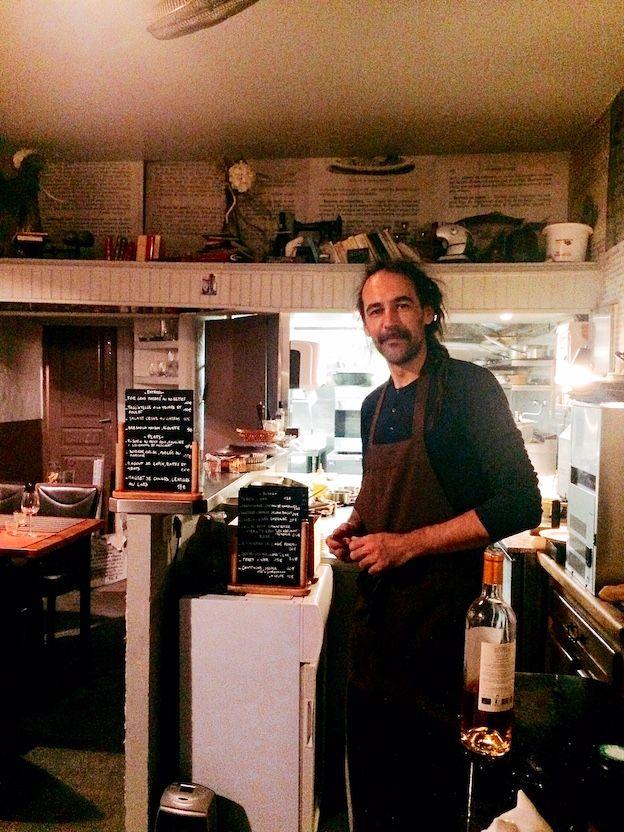Im Vieux-Nice, dem alten Nizza, unterwegs, tut man gut daran, den Cours Saleya für ein Abendessen zu verlassen. Das Chat noir chat blanc ist ein Restaurant-Tipp für Nizza, der diejenigen begeistern wird, die auf der Suche nach ursprünglicher cuisine niçoise … Weiterlesen