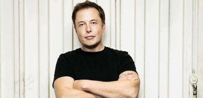A l'instar d'un Steve Jobs ou d'un Bill Gates, Elon Musk fait partie de ces patrons qui ont l'ambition de changer le monde. Génie tumultueux, industriel révolutionnaire, il s'est attaqué au secteur de l'aérospatial et du solaire. Sa biographie, par le journaliste Ashlee Vance, vient de sortir en France. Extraits.