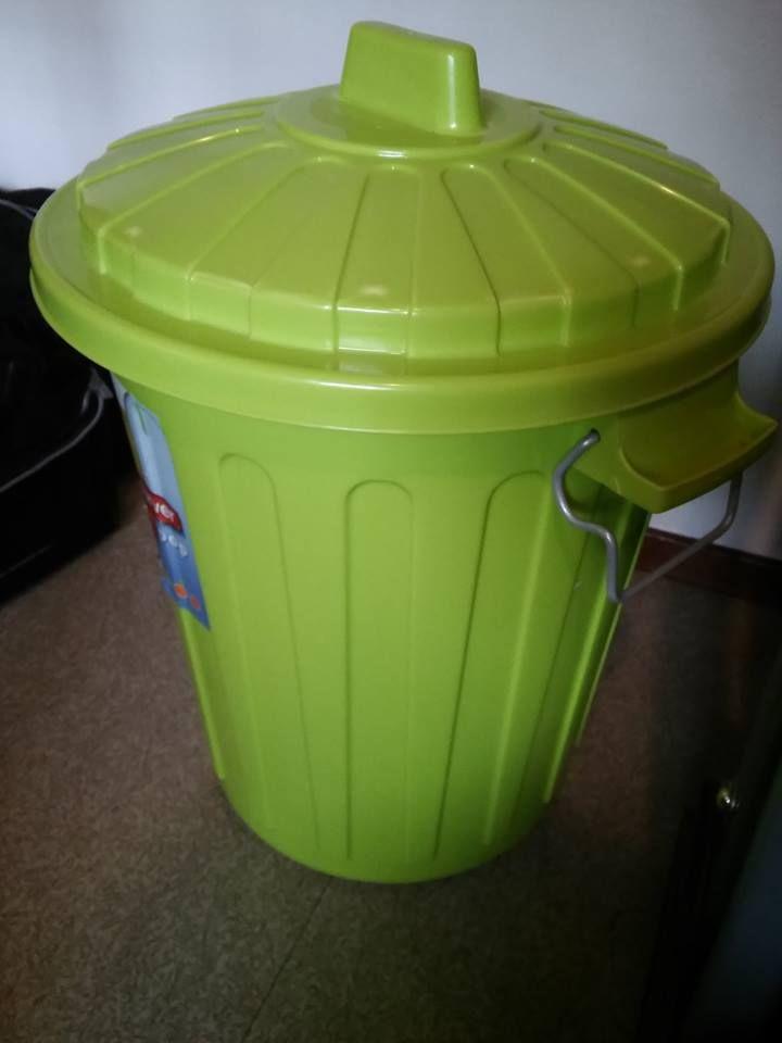 Plastic can