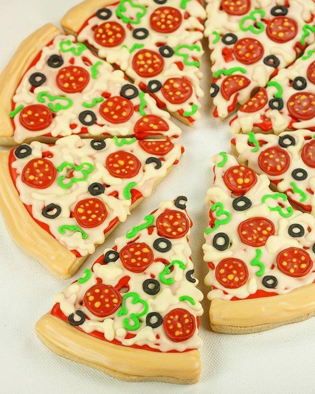 Pizza!!!!!.... Cookiessssss 😂😂😂 🍕🍕🍕#cookievonster #decoratedcookies #customcookies #pizza #vancity #partyfavors #pizzaparty #yvr #vancity #vancitybuzz #vancouvercookies #birthdayparty #shortbread #cookies