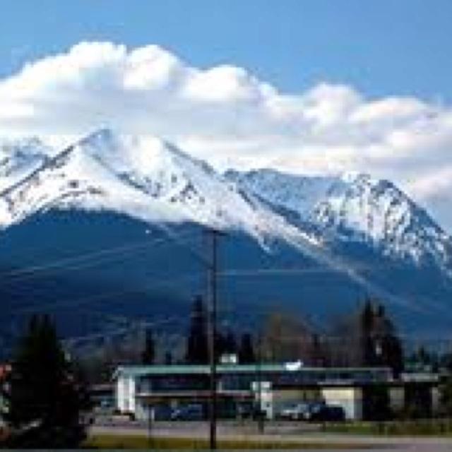 Hudson Bay Mountain - Smithers BC. Where the ski runs are!