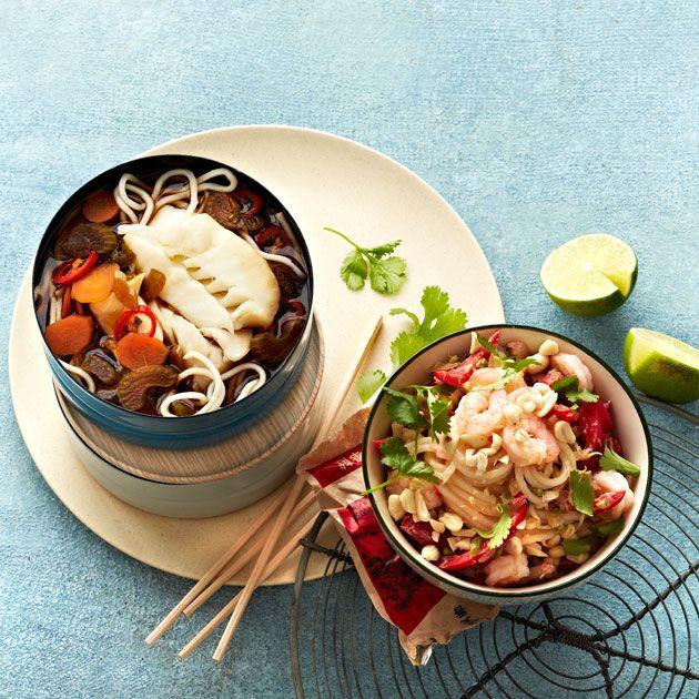 Prøv en sunn og smaksrik nuddelsuppe med torsk! Denne suppen har alle smakene fra Asia som vi elsker: chili, ingefær, sitrongress, koriander og soya. Nam!