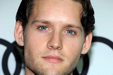 Luke Kleintank - 22 years old (so right for the first in the Outlander series) and 6' tall. Not too shabby. Jamie