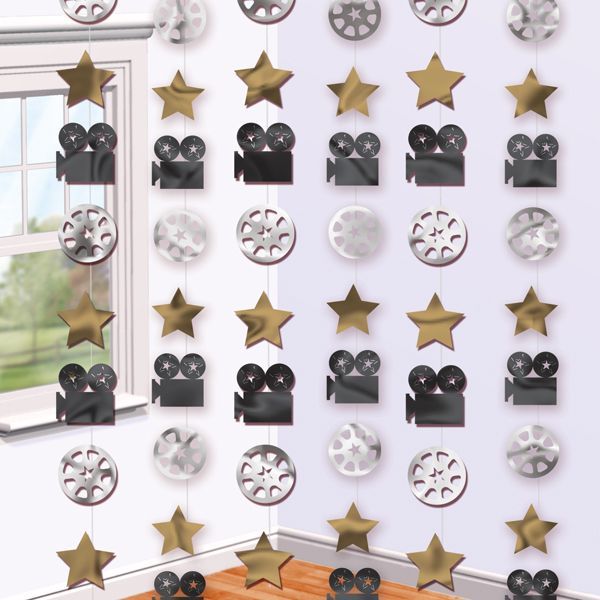 Unas preciosas guirnaldas de siluetas brillantes unidas por 2m de hilo transparente, idóneas para una fiesta cine o una fiesta Hollywood - de www.fiestafacil.com