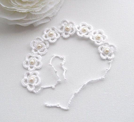 Crochet Bracelet  White Bracelet  Daisy Bracelet by CraftsbySigita,