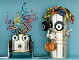 Amazing Robots made from recycled material. Great way to teach our kids about being 'green'