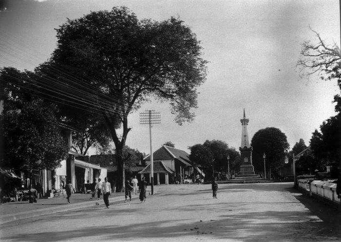 Tugu Yogyakarta tahun 1920  (C) Tropenmuseum